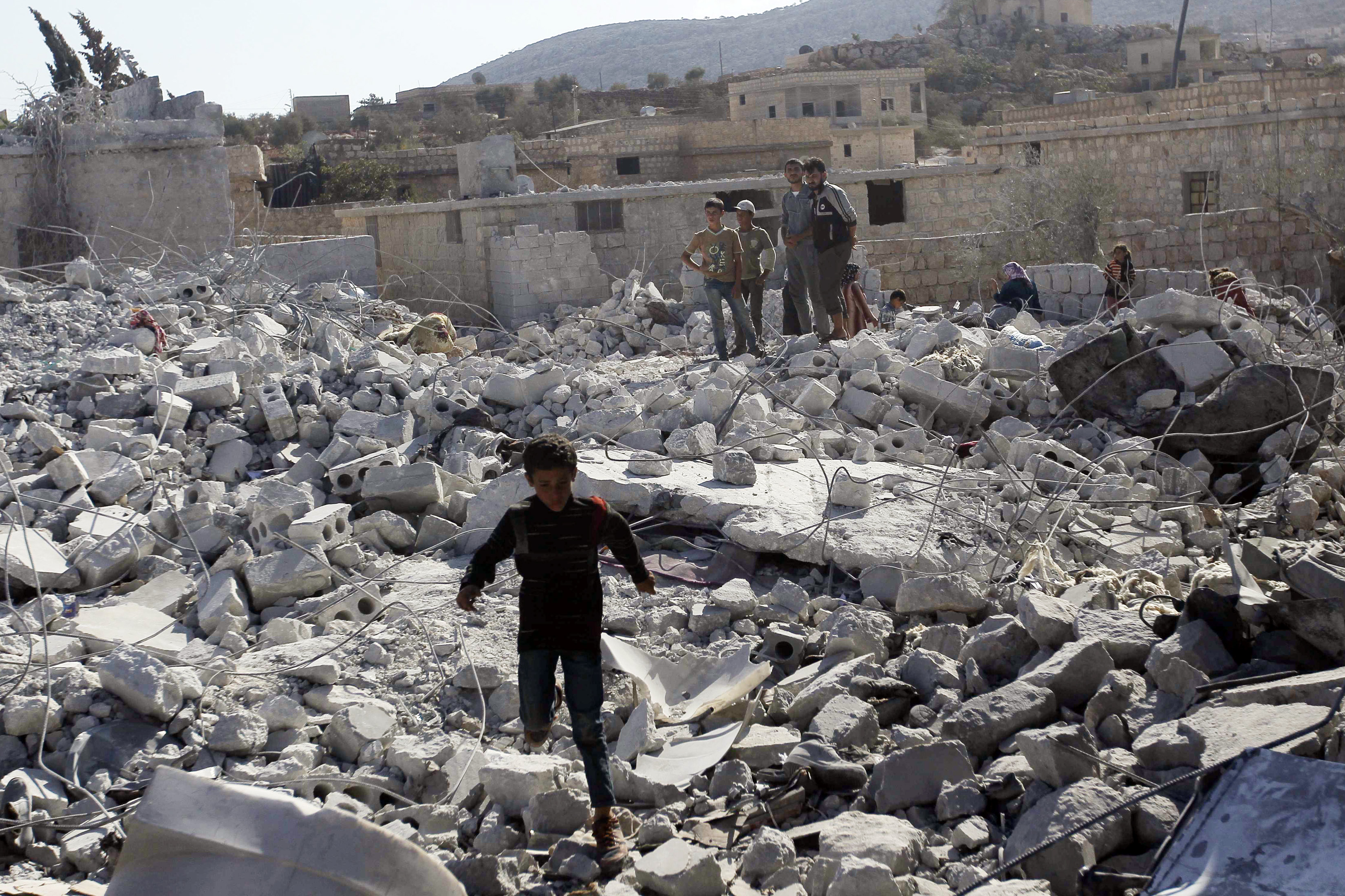 syria war template - syria conflict air strikes 39 kill at least 28 39 in aleppo