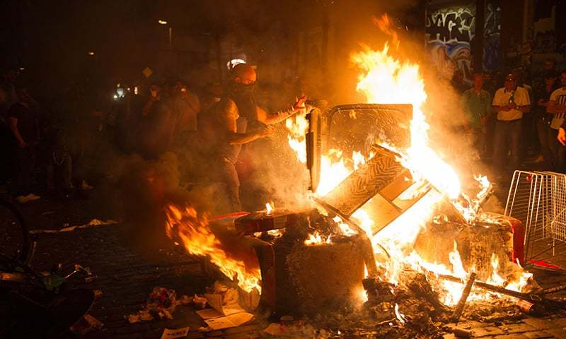 76 policemen injured in clashes in hamburg ahead of g20 summit home page. Black Bedroom Furniture Sets. Home Design Ideas