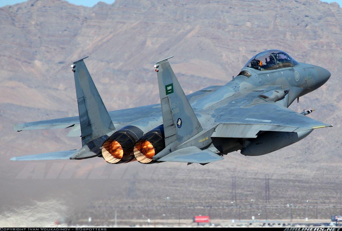 Yemeni Hussites hit a Saudi F-15 aircraft 85